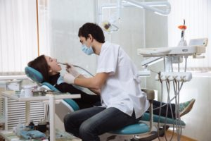 Dentist in Rock Hill performing routine services.